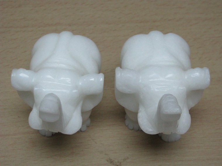 3寸大白玉象